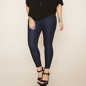 HUE blue jeans skinny legs stretch plus size 18